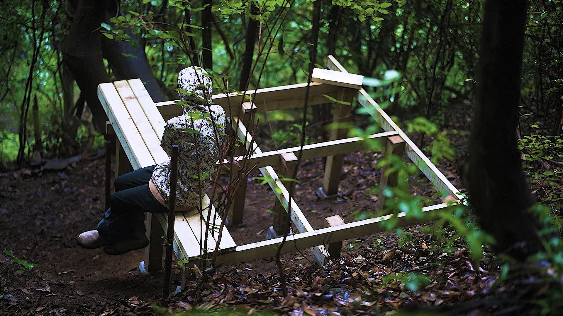 山の中に物置を作る(DIY)